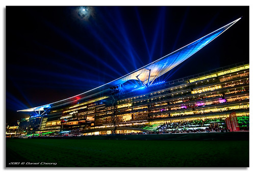 Spaceship Meydan - A Night at the Races
