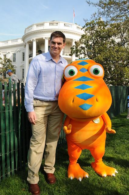 Dr. Scott Sampson And Buddy From PBS KIDS' DINOSAUR TRAIN