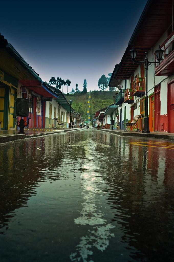 Imagen de la Calle Real luego de la lluvia - imágenes de Salento, Quindio