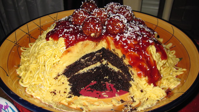 Spaghetti Cake 5 | The cake turned out pretty good. Everyth ...