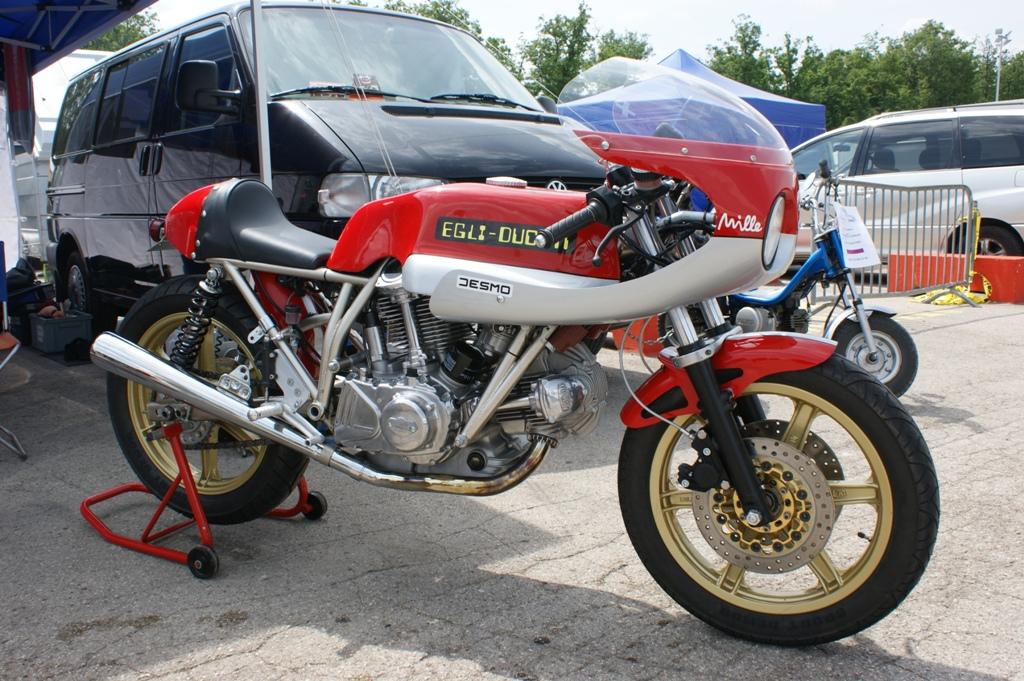Egli-Ducati... - Page 2 4683220882_1db688d0af_o