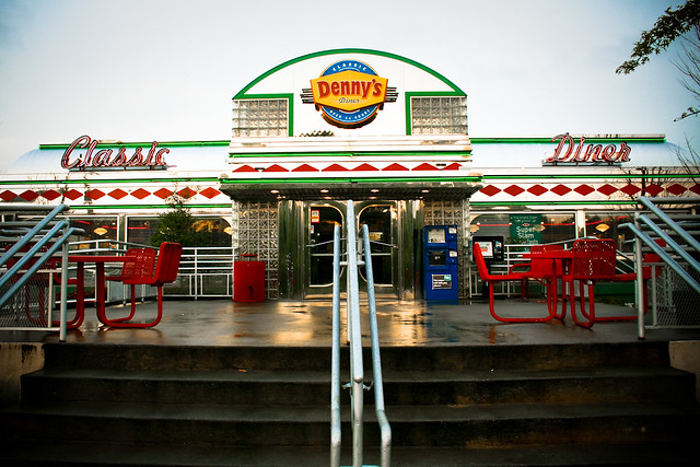 Denny 39 S Diner The Exterior Of Denny 39 S Classic Diner Locus Flickr Photo Sharing