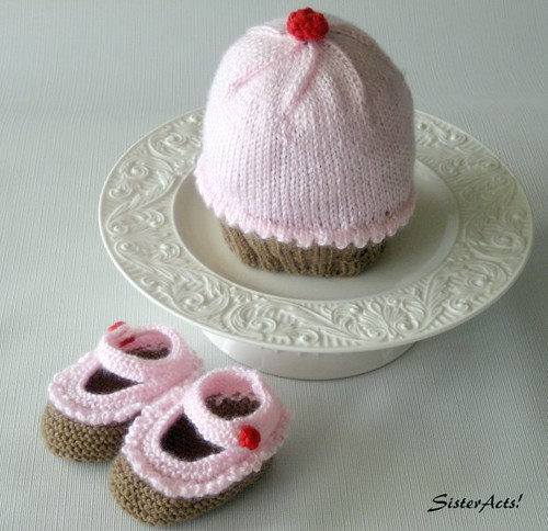 Cupcake Hat and  Booties