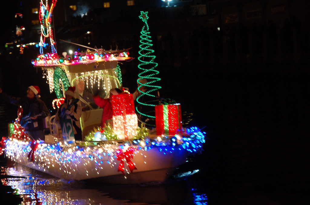 Christmas Boat Decorations A Cool Exciting Decoration At