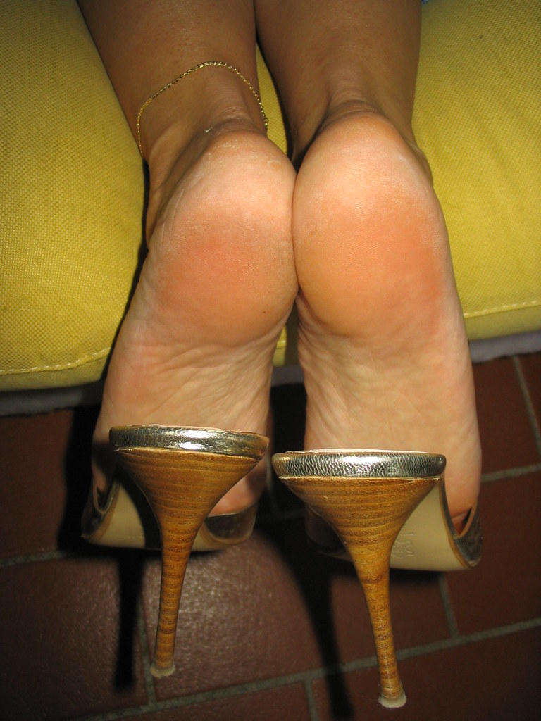 Sexy wrinkled mature soles 9