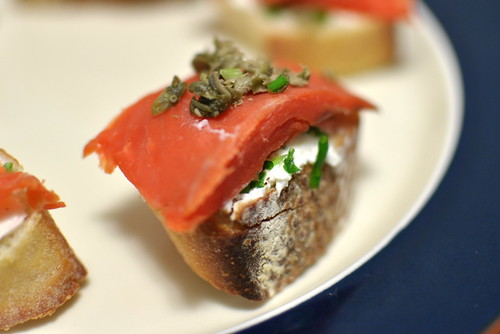 Stellar recipes smoked salmon canapes for Salmon canape ideas