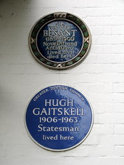 Photo of Hugh Gaitskell blue plaque