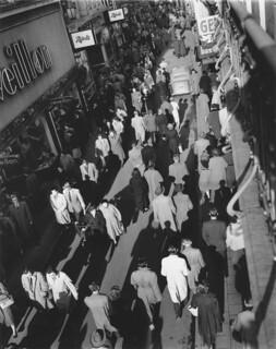 11-14-1955_13668 Kalverstraat