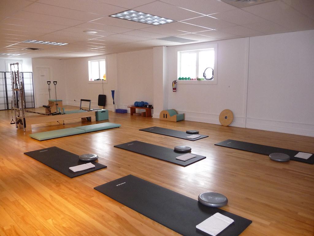 Pilates mat class setup