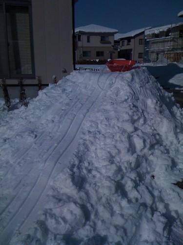 で、でかすぎた滑り台
