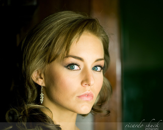 Angelique Boyer | Flickr - Phot...
