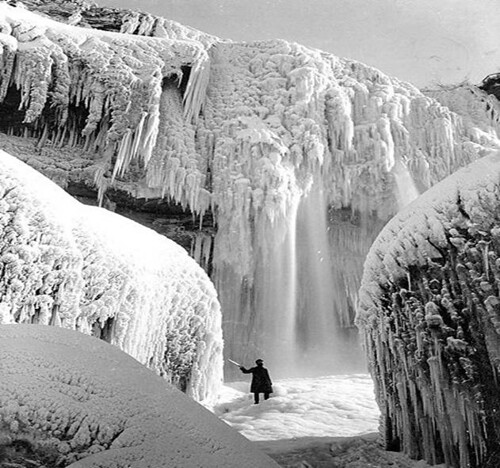 Pin by Diane Myers on Stunning places (LSL) | Pinterest |Niagara Falls Frozen 2009