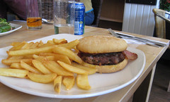 sandwich, meal, lunch, breakfast, junk food, hamburger, side dish, meat, steak frites, french fries, food, dish, cuisine, fast food,