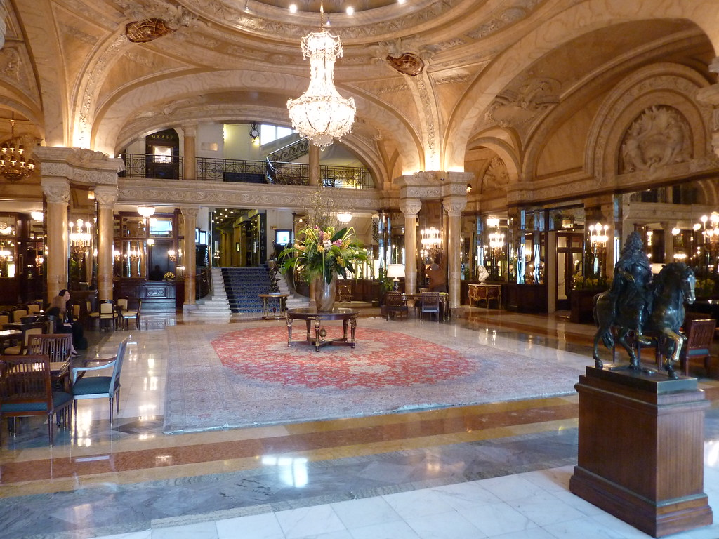 Hotel de paris monte carlo monaco what is is like staying for Hotel des bains paris 14e