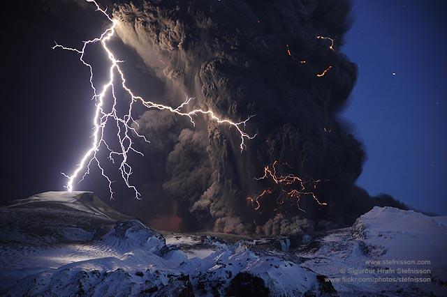 Eyjafjallajokull volcano lightning's shs_n3_045809