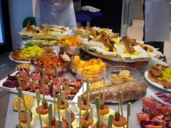 breakfast(0.0), banquet(0.0), hors d'oeuvre(1.0), meal(1.0), lunch(1.0), supper(1.0), brunch(1.0), buffet(1.0), food(1.0), dish(1.0), pincho(1.0), cuisine(1.0), smã¶rgã¥sbord(1.0),