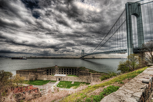 bridge brooklyn sigma statenisland 1020mm verrazanobridge hdr dreamtheater d300 thenarrows photomatix fortwadsworth batteryweed topazadjust robertcatalano
