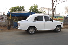 gaz-21(0.0), saab 96(0.0), automobile(1.0), vehicle(1.0), mid-size car(1.0), hindustan ambassador(1.0), compact car(1.0), antique car(1.0), sedan(1.0), classic car(1.0), land vehicle(1.0),