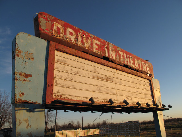 Drive in theatre flickr photo sharing for Drive in movie theaters still open