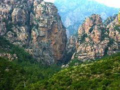 Sentier de Mela : vue sur le canyon de Carciara (Strette della Carcia)
