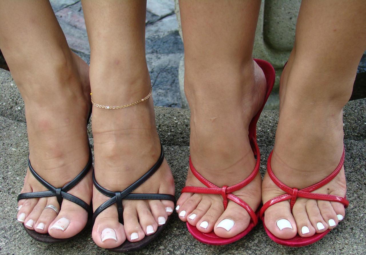 Foot фетиш ноги в босоножках поихххь