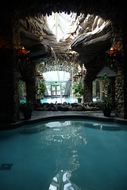 Grove park inn spa pool waterfalls flickr photo sharing for Piscine interieure de luxe