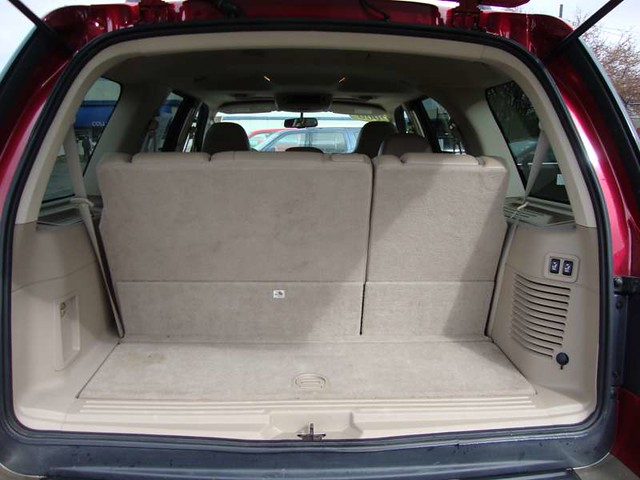 The Cargo Space Of The 2006 Ford Expedition Wagon Eddie Ba