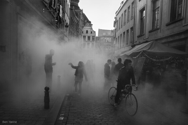 4620269512 2990c49472 z 20 Awesome Street Photography Pictures You Should See
