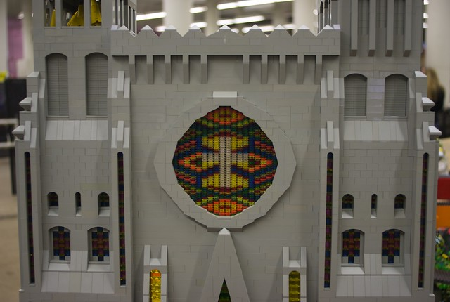 TwinLug LEGO City: Cathedral Window