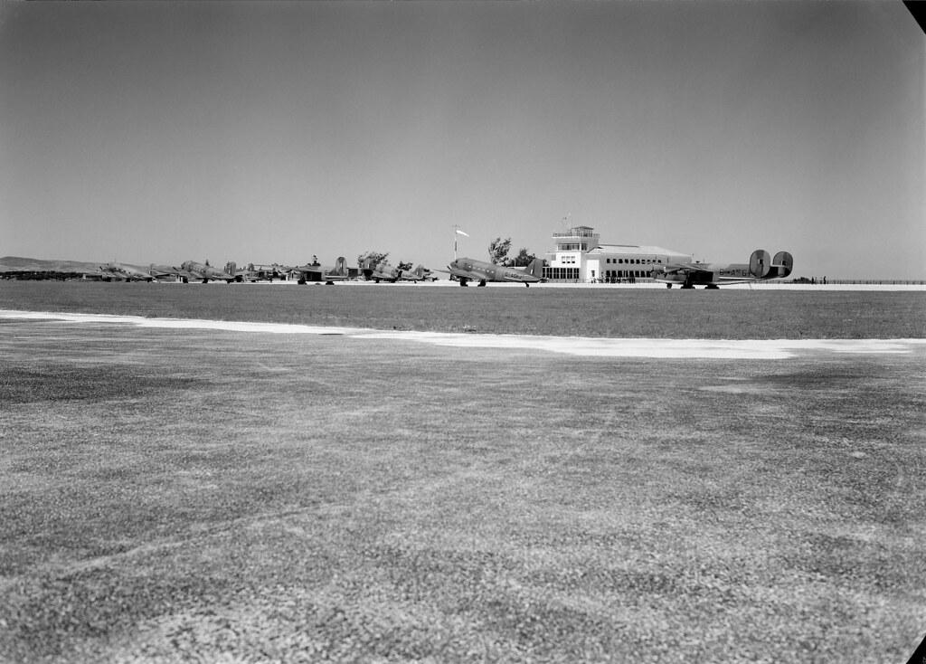 Aeroporto da Portela, Lisboa (Mário de Novaes, 1943)