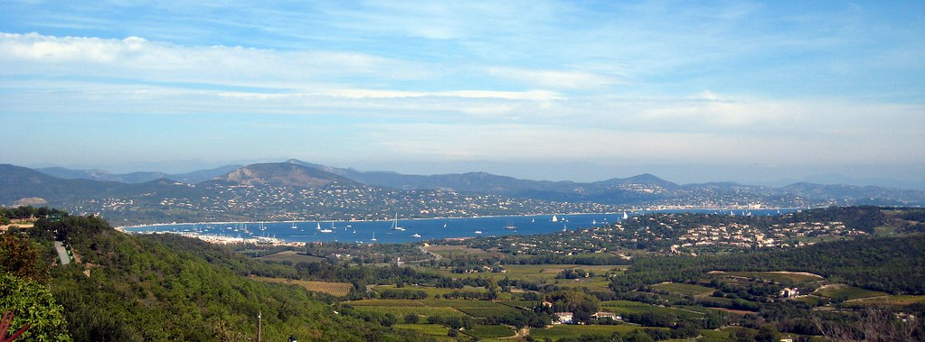 Gassin, vue sur la baie de St Tropez