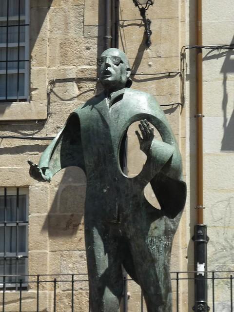 Detalle Estatua Otero Pedrayo