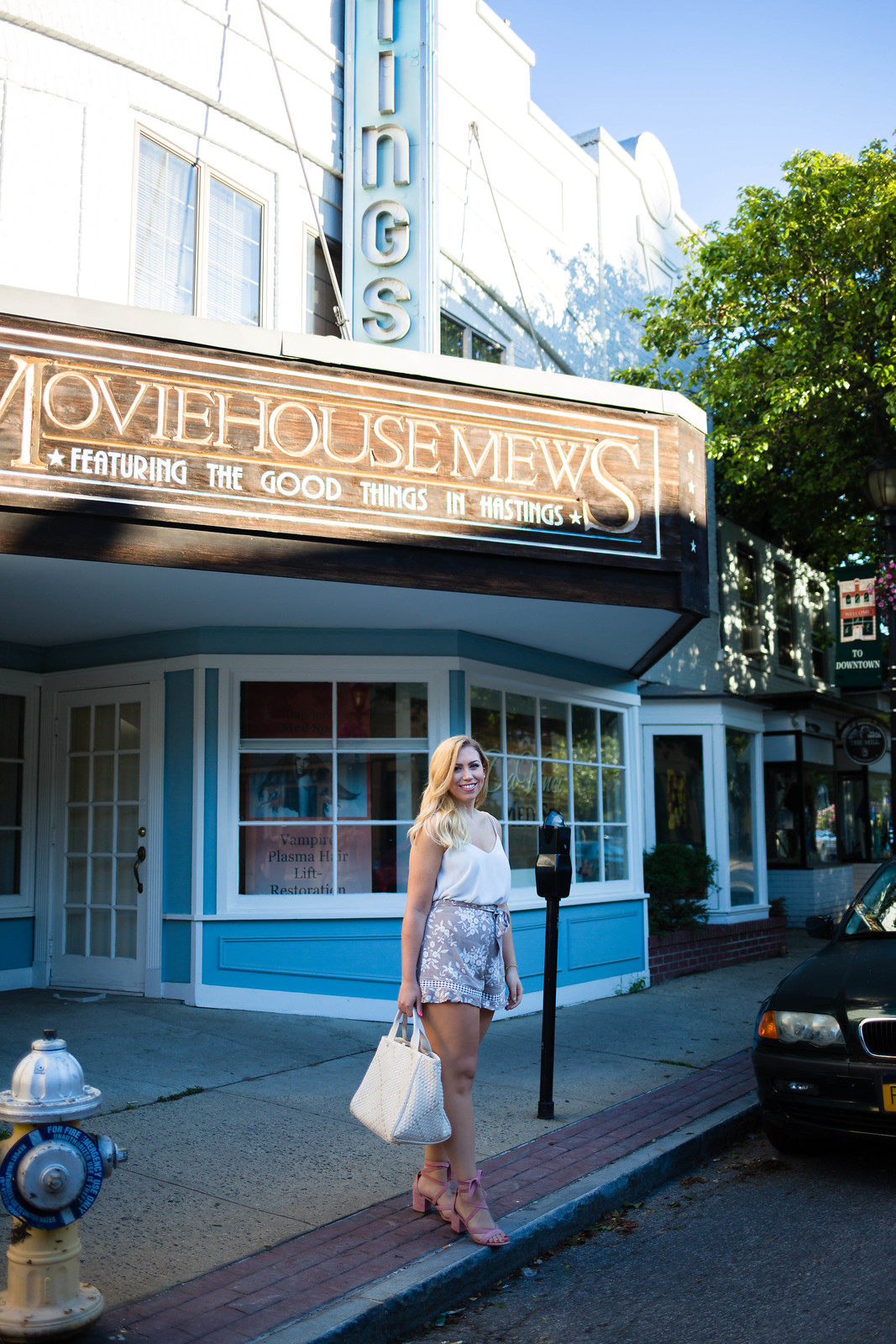 Hastings On Hudson New York Moviehouse Mews Street Style Blogger Jackie Giardina Living After Midnite