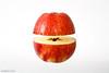 Apfel mit Abstand betrachtet by md-foto
