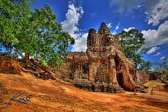 Angkor Wat Entrance - Seim Reap, Cambodia