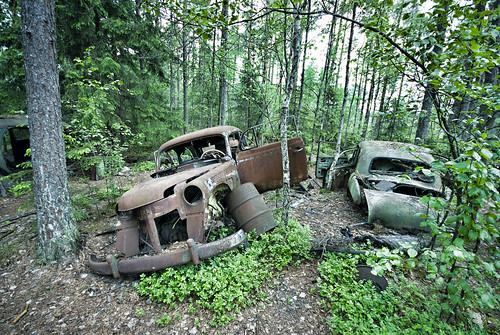 Two Rusty Cars by T.Onnemar