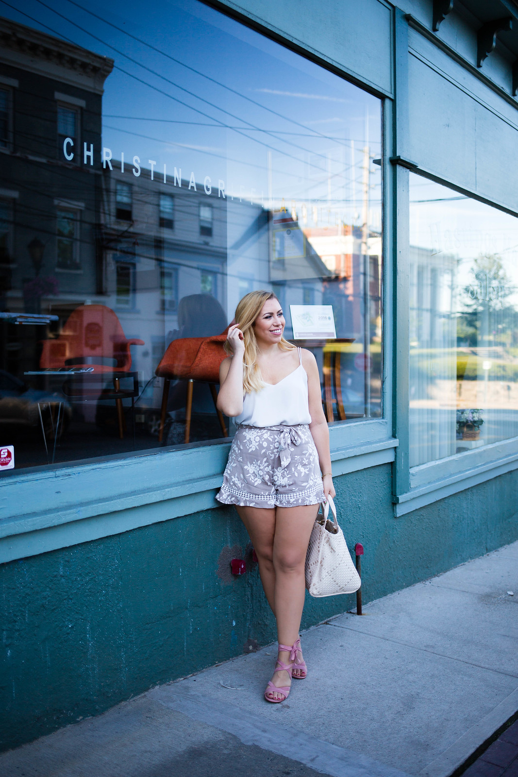 The Best Shorts for a Pear Shaped Body Neutral Summer Outfit Hastings on Hudson New York Style Blogger Living After Midnite Jackie Giardina