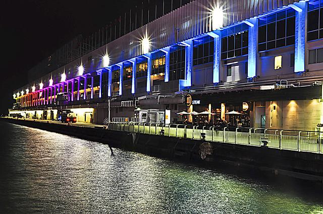 位於九龙尖沙咀的海运大厦是香港目前唯一的邮轮码头.