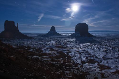 snow night fullmoon monumentvalley