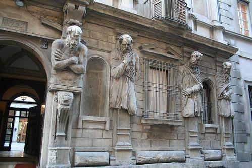 20091112 Milano 10 Via degli Omenoni 02 Casa degli Omenoni 04