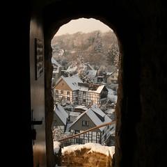 castle's door