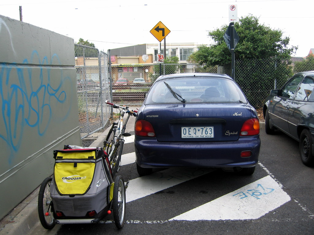 Typical Oakleigh bike-path hazards; OEQ763 blocking the path