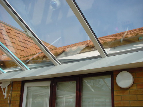Glass to box gutter