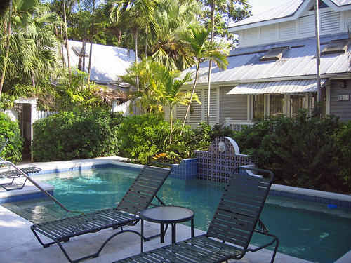 1217 grinnell street old town key west for Chelsea pool garden key west