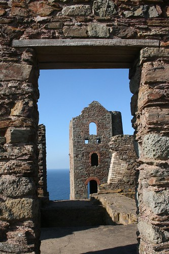 Wheal Coates, an old tin mine near St.Agnes on the Cornish North Coast by Claire Stocker (Stocker Images)