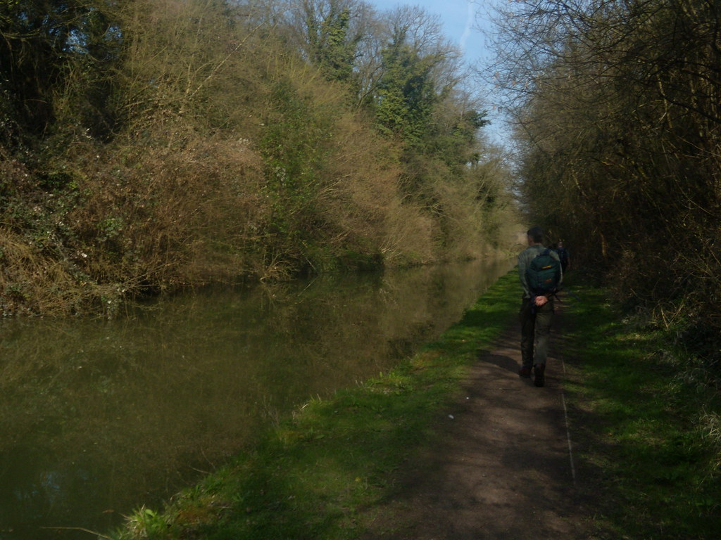 Along the Grand Union Tring to Wendover