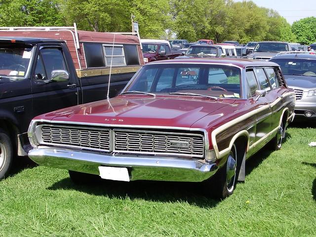 1968 ford ltd wagon parking lot rhinebeck spring 2010 by