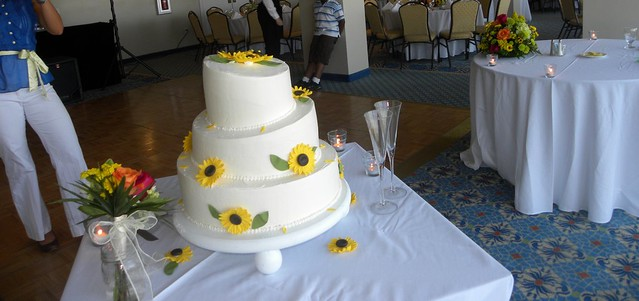 topsy turvy wedding cake carolina cakes confections wilmington nc