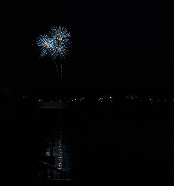 Fireworks flowers, Sony ILCE-6000, Sony E 18-200mm F3.5-6.3 OSS LE