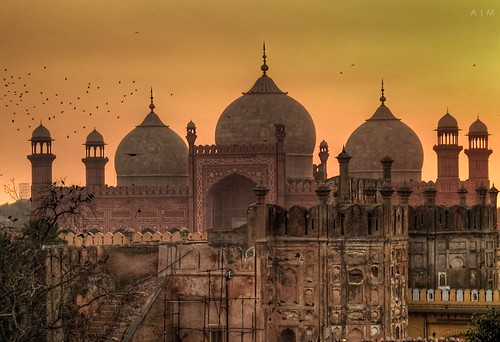 Sundown at the Badshahi Mosque